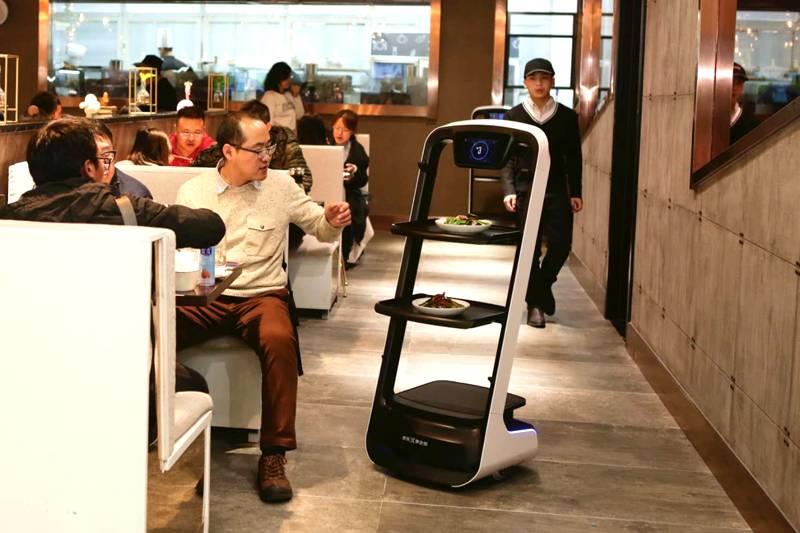 飲食店の未来の姿⁉|ロボットレストラン、来店者数3.5万人突破!(PR TIMES)