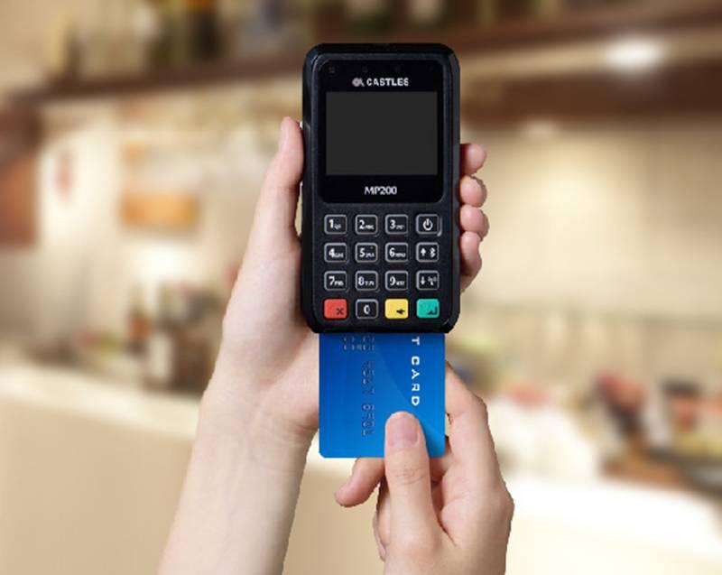スマホからのカード決済対応でテーブル会計を可能にしよう