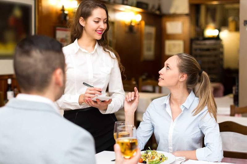 訪日外国人の接客、どうすればいい?|英会話接客の課題を解決する方法