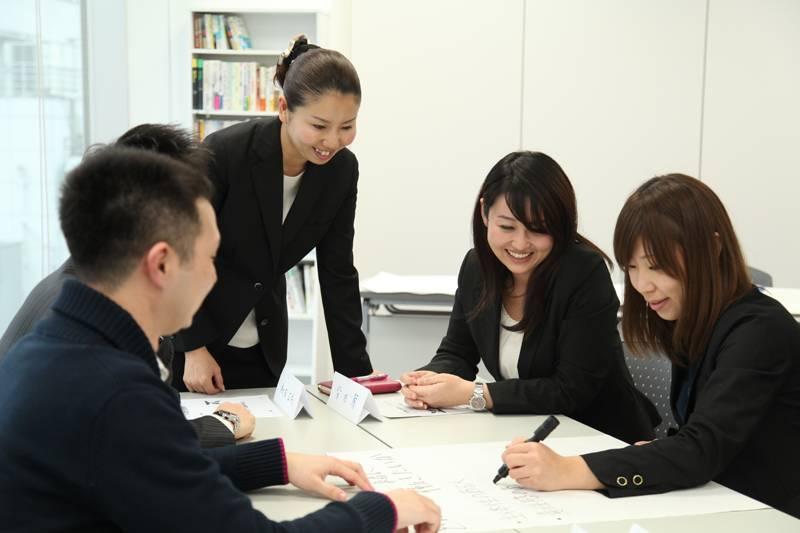 日本を代表する企業の社員教育を発展させた、サービス業特化の人財育成研修