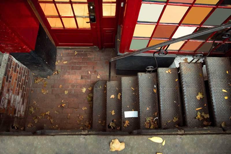 人通りが少ない、地下にある…立地が悪い飲食店で売上を倍増させる集客術
